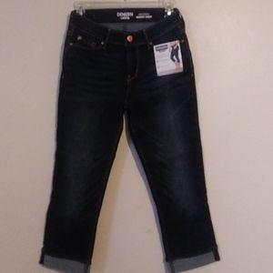 Levi's Modern skinny cropped capri's
